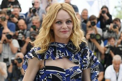 VANESSA PARADIS  ~ festival CANNES 2018 -  PHOTO 10X15 - Marches et Photocall 09