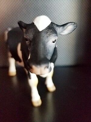 SCHLEICH DAIRY FARM COW, Doesn't moo but Looks amazing. Collectible Toy.