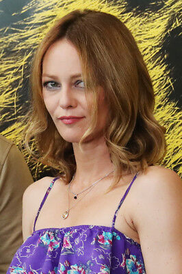 Vanessa Paradis  - Photo 10X15 - 001