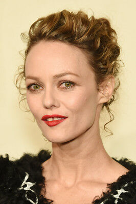 Vanessa Paradis  - Photo 10X15 - 012