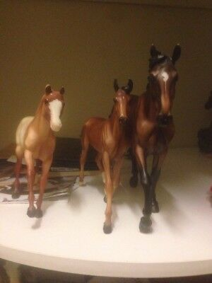 Breyer Traditional Horses - Mate And Foals