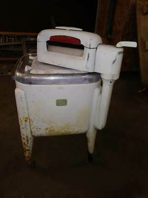 Vintage Antique Maytag Washing Machine with Wringer Model E2L