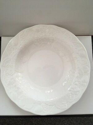 "Wedgwood Strawberry and Vine 9"" Soup Bowls x 6 - New"