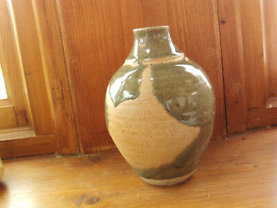 Green glazed pottery vase Welsh Studio art pottery Crochendy Rhuthun 'P'