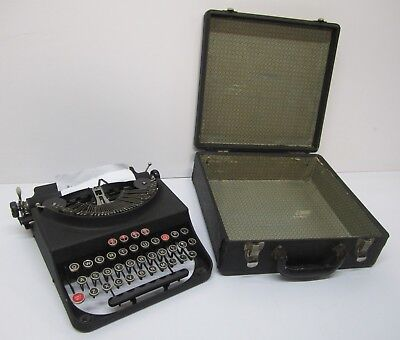 Vtg 1930s Remington Monarch Pioneer Typewriter 3.5 Row Red Keys Compact W/ Case