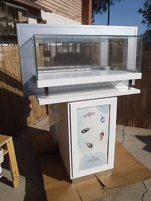 Carati Hi End Jewelry Display Cases With LED Lighting