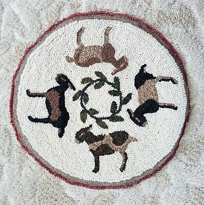 "12"" Round Linen Hooked Rug Pattern - ""Goat Go Round"" - Chair Pad"
