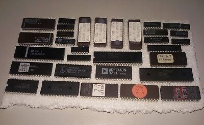 Lot of ICs (eproms, frequency synthesizer, PPI, microcontroller)