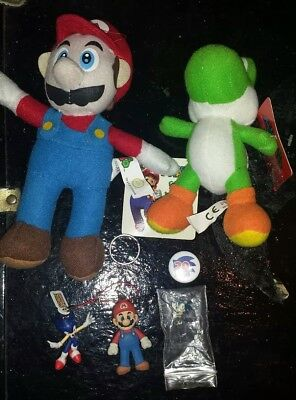 Super Mario Sonic The Hedgehog Item LOT Bundle 7 Items Plush Keychain Comic Book