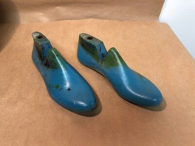 Vintage Shoe Lasts - Size 7 B with heel plate