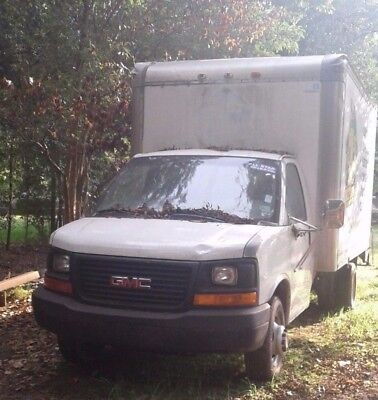 2004 GMC Box Truck with Liftgate
