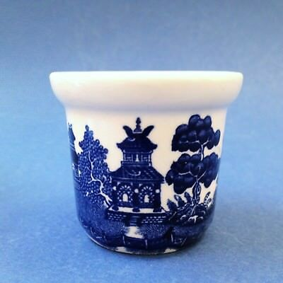 Johnson Bros, England - Blue Willow Egg Cup - Excellent Condition