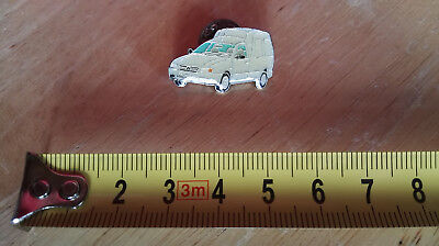 Pin Automesse VW  Volkswagen Caddy hell glasiert
