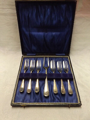 Vintage Ca 1950s Set Silverplate Cake Forks in Case EPNS