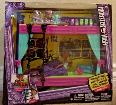 Monster High Monster Family Wolf Bunk Bed Playset & Figures Pawla Wolf *NEW*