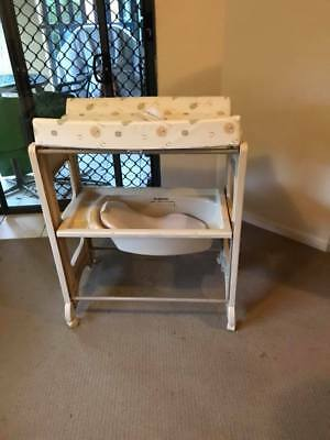 Change table and baby bath all in one childcare brand