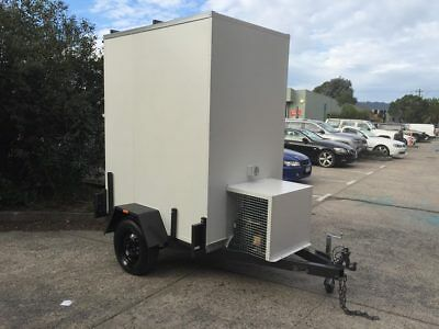 6 x 4 mobile cool room Coolroom Refurbished used Hunters Trailer with Meat Rails