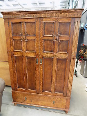 vintage,18thC,style,oak,panelled,double,wardrobe,drawer,carved,hanging,bedroom