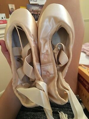 Grishko Pointe Shoes 5.5 (Original Price $80)