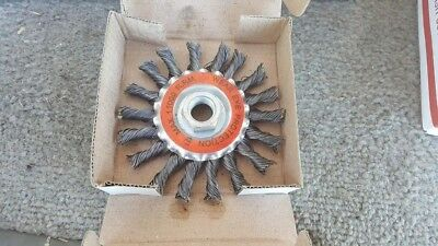 "Lot  of 20 NEW  4"" Twist-Style Straight Wire Radial Brush Wheel"
