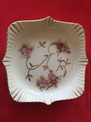 Rare 18thC  Paris, French Lille Porcelain Plate, 6.5 Inches