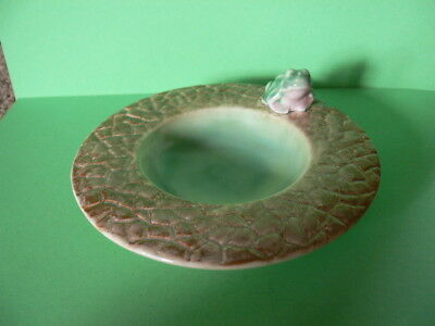 A Vintage Dish/Trinket Dish With a Frog Sat on The Side. Mark rubbed.