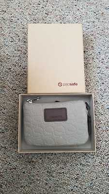 New Pacsafe RFIDsafe W50 Anti-Theft RFID Blocking Colin and Card Wallet