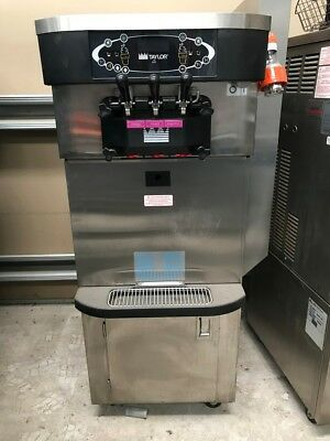TAYLOR Soft Serve Freezer C723 ADA