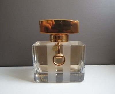 Factice Geant Gucci By Gucci