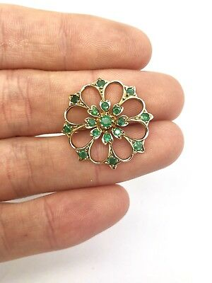 A Very Nice Vintage 375 9ct Yellow Gold Natural Emerald Flower Design Brooch