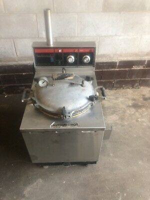 Smokaroma Commercial 240V Barbeque BBQ Electric Pressure Cooker Smoker Warranty!