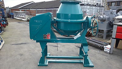 Parker Little Giant 5T cement mixer 3 phase used in factory environment NO FUMES
