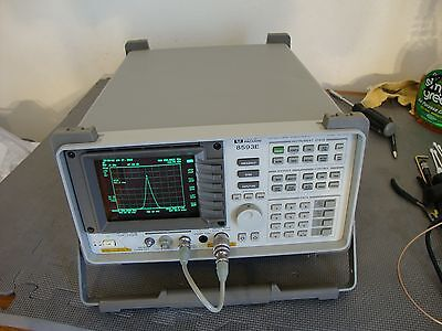 HP Agilent 8593E Spectrum Analyzer w/ various options 9 khz - 26.9 ghz opt 26/27