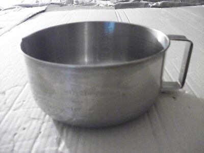 Vintage Stainless Steel 3 Quart Mixing Measuring Cup/Bowl With Handle