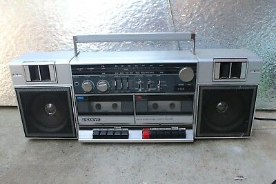 Sanyo MW220 Classic Old School Boom Box Sounds Great Bumps Double Tape Deck