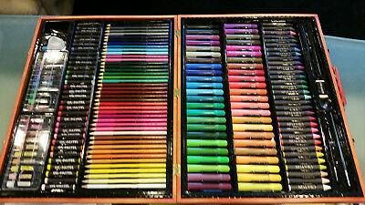 Wooden Art Set 186 Piece Deluxe Artist Wood Kit