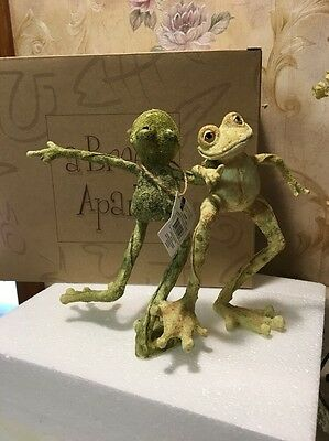 A Breed Apart NIB Froggies Frogs Skippy & Lou Country Dancing Frogs RETIRED 7""