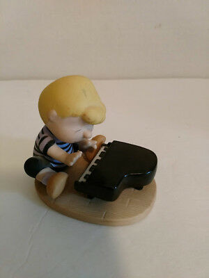 Westland Giftware 8220 Peanuts Charlie Brown Schroeder Playing Piano Figurine