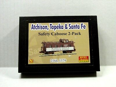 Micro-Trains Line N Scale Safety Caboose Two Pack Atchison, Topeka & Santa Fe