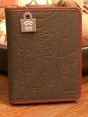NWT Fossil RFID Green Leather Zip PASSPORT SLEEVE / Case - LAST ONE!