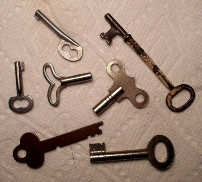 Mixed Lot of 7 Vintage Unique Keys Barrel Flat Skeleton