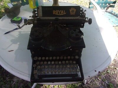 Antique Royal Number 10 Typewriter