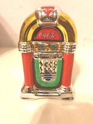 Coke and A Song Jukebox Salt & Pepper Shakers (Official Coca-Cola, 45335.02)