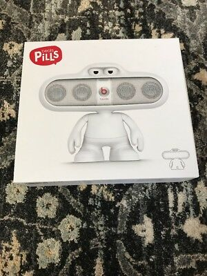 Beats Dude Stand for Pill Portable Speaker - White New!