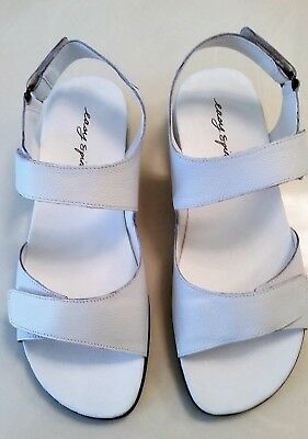 Easy Spirit Women's HARTWELL Sandals WHITE Leather Size 7.5 M ~ BRAND NEW in BOX