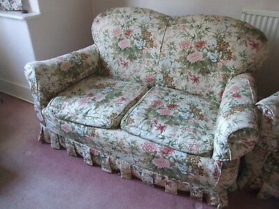 Classic Three Piece Suite Sofa / Settee And Chairs