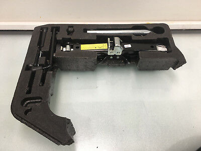 08-12 Audi A4 S Line B8 Saloon Spare Wheel Tool Kit Genuine As Per Pictures
