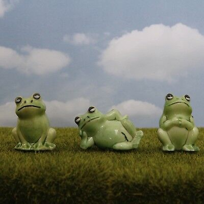 Vintage Plastic Frog Figurines Set Of 3 Green Frogs