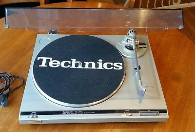 Technics Record Player:  SL-Q210 Quartz Movement Japanese 1970s (Please Read)
