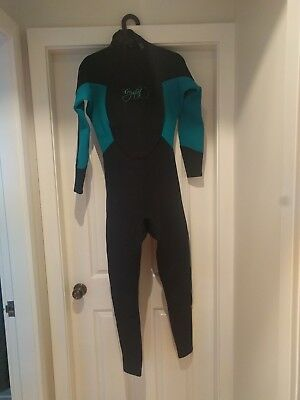 Crystal Steamer Wetsuit Excellent condition. Size 14